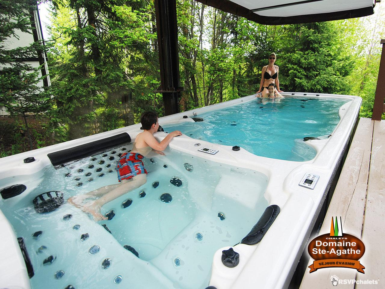 Chalet louer le fribourg no 30 ste agathe des monts for Club piscine ste agathe des monts
