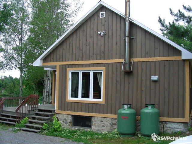 chalet 224 louer chalet lac port au saumon st sim 233 on charlevoix