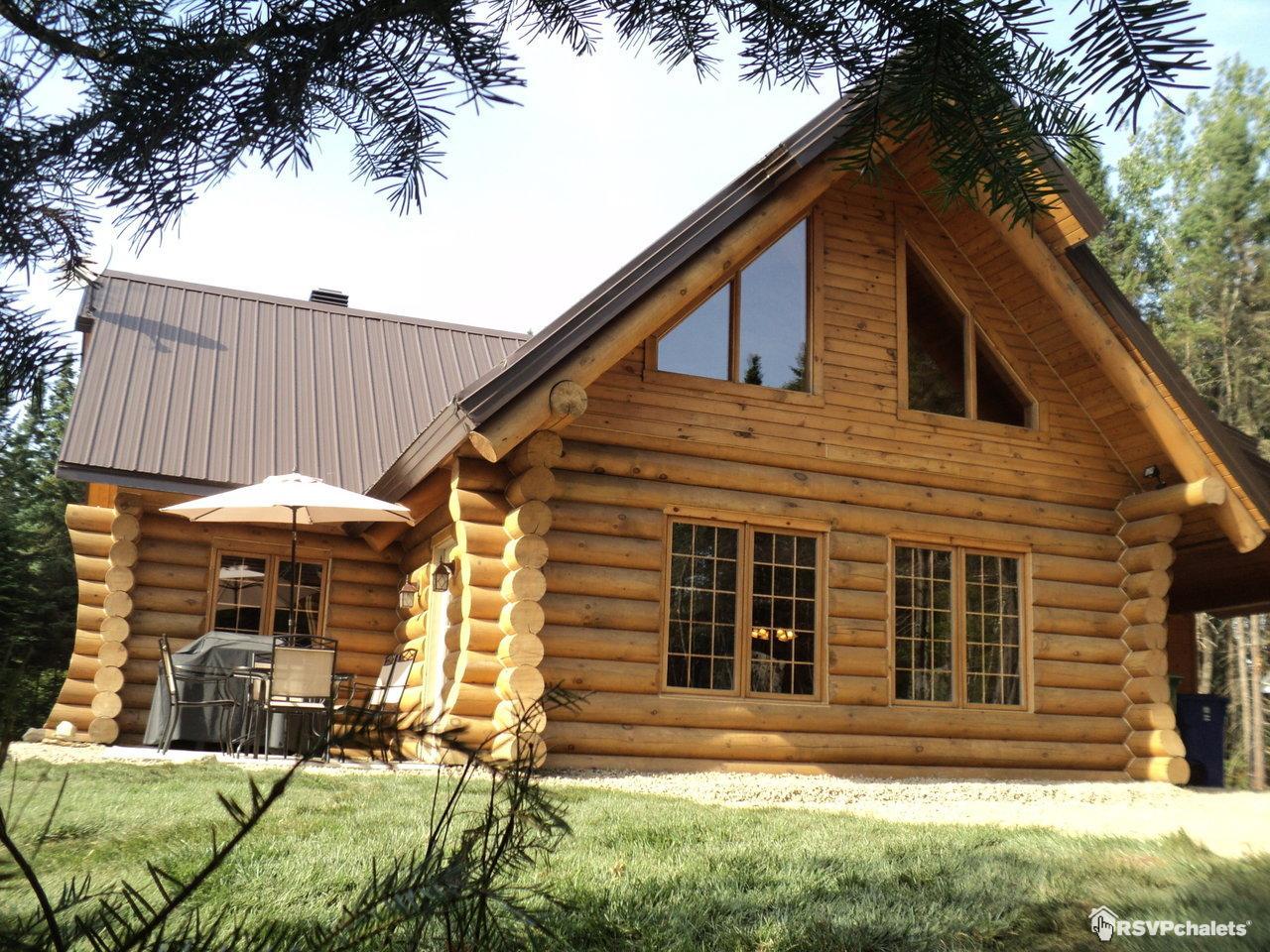 Chalet louer le bois rond des ruisseaux st tite des - Louer sa maison pour des tournages ...