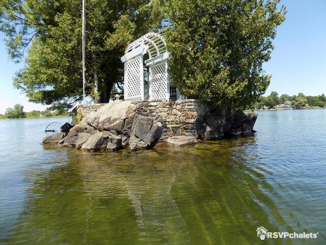 Arborest Island (Sisters Island33f)