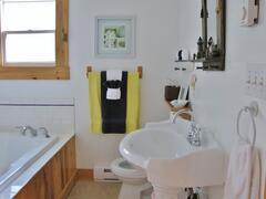 cottage-rental_larinda-s-landing-oceanfront-cottag_39264