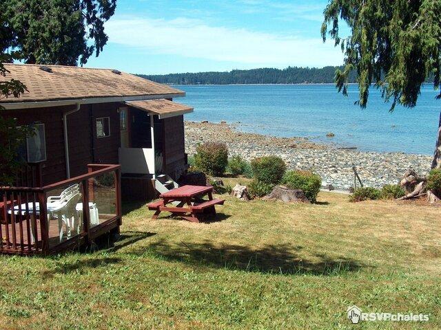 Dogwood Beach Oceanside Cottage