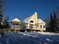 location-chalet_lakefront-cottage-with-exterior-spa_34676