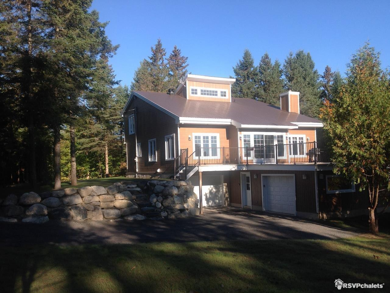 Pleasing Cottage Rentals Cottages For Rent On Rsvpchalets Home Interior And Landscaping Palasignezvosmurscom