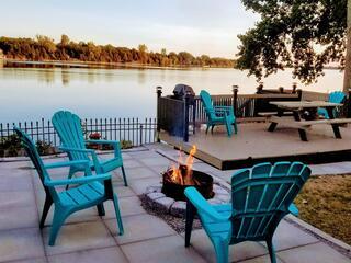 Sandbanks Waterfront Lake Cottage