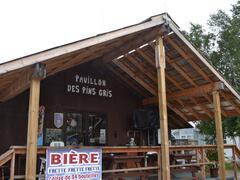 cottage-rental_camping-pavillon-des-pins-gris_68004