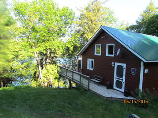 Lakefront Cottage (near Tremblant)