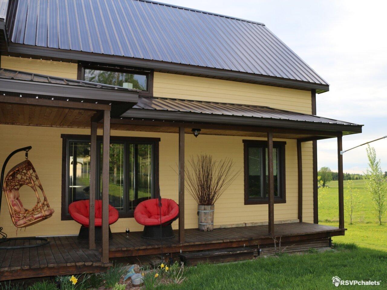 chalet louer maison du mont m gantic lac m gantic cantons de l 39 est. Black Bedroom Furniture Sets. Home Design Ideas
