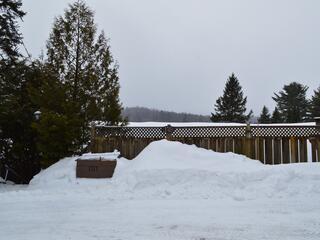 Charming All Season Cottage on Lake