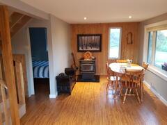 cottage-rental_val-comeau-chalet-vino_87346