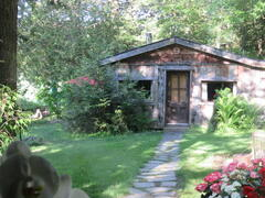 cottage-rental_cosy-lakefront-cabin_104037