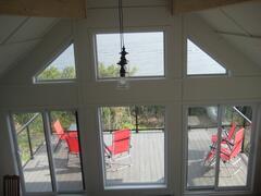 cottage-rental_maison-toit-cathedrale-bord-de-eau_92520