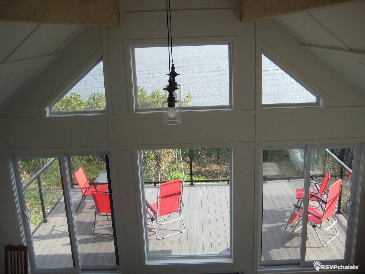 cottage for rent maison toit cathedrale bord de eau ste f licit de matane gaspesie. Black Bedroom Furniture Sets. Home Design Ideas