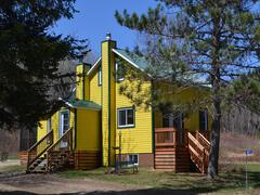 location-chalet_la-maison-jaune-a-chute-st-philippe_98842