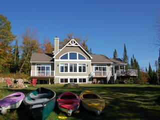 Lakefront Luxury Chalet Spa 15 Ppl