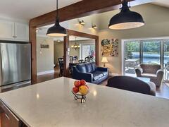 cottage-rental_lakefront-chalet-4-bdrm-spa-14-pers_109817