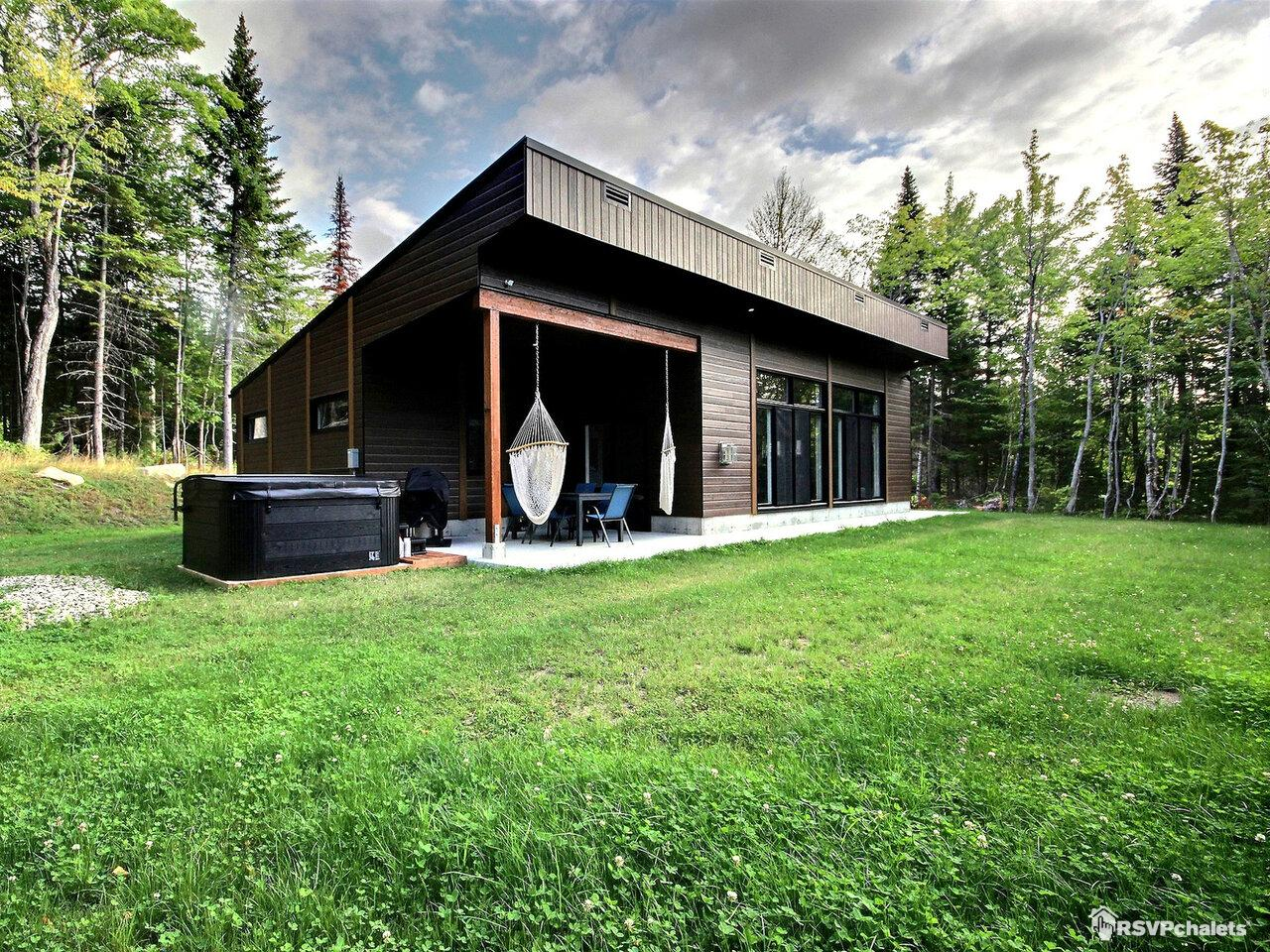 Stupendous Cottage Rentals Cottages For Rent On Rsvpchalets Interior Design Ideas Ghosoteloinfo