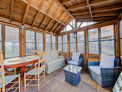 cottage-rental_officier-1-et-2-spa-chalets-confort_119305