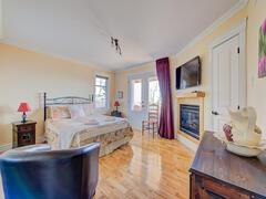 cottage-rental_officier-1-et-2-spa-chalets-confort_119319