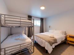 cottage-rental_la-jumelle-d-en-bas1827_124761