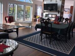 cottage-rental_domaine-valcartier-sur-le-lac_127190