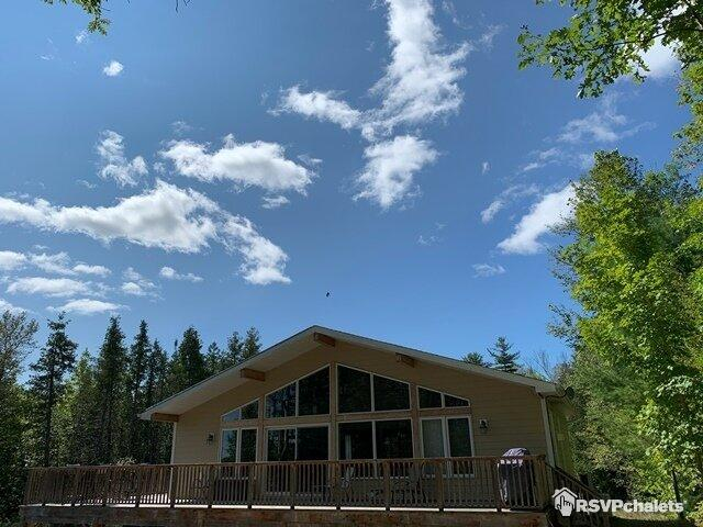 Lake Front Cottage